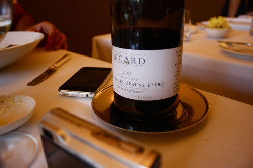 chicago's blackbird restaurant, burgundy
