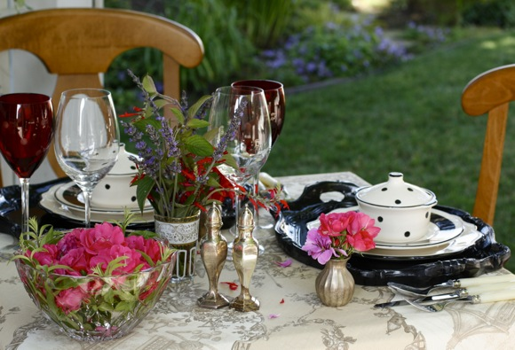summer-table-setting, garden table