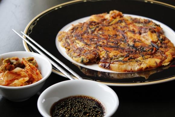 bindaetuk, korean pancake, mung bean pancake