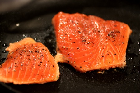 how to make crispy-skin salmon