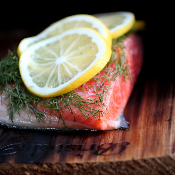 how to cook salmon on cedar plank