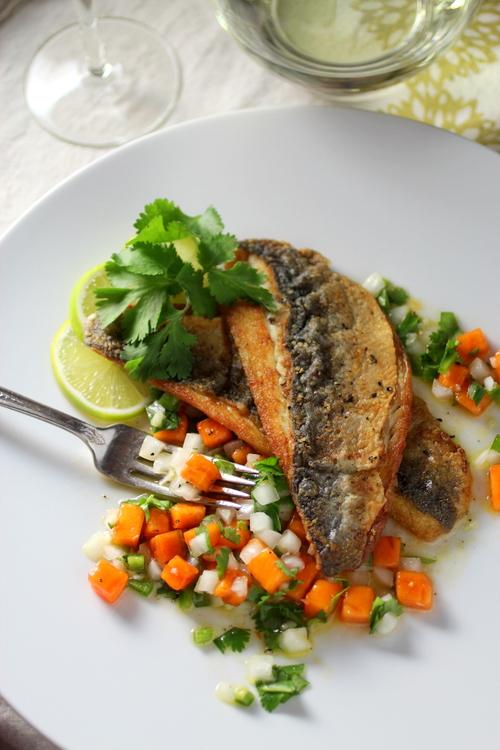 Persimmon pico de gallo taste with the eyes for Branzino fish recipes