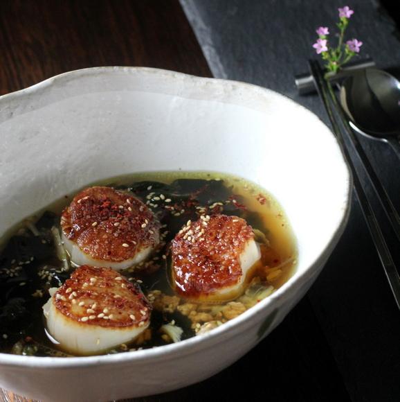미역국 korean seaweed soup, miyeok guk, miyuk guk