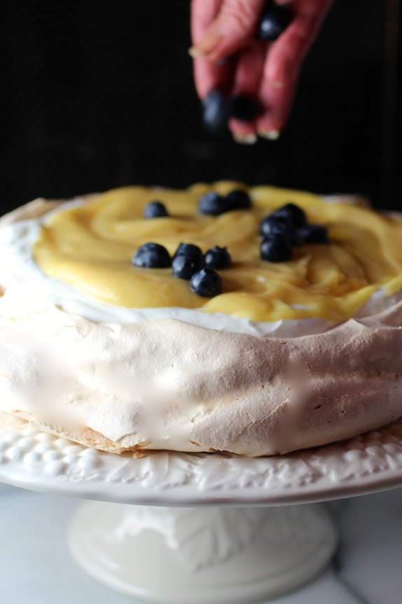 blueberry pavlova recipe