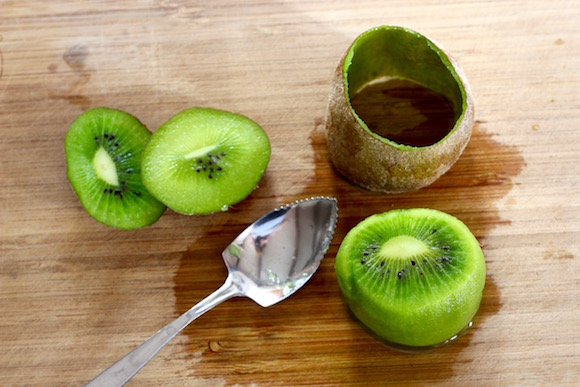 Best Way To Peel A Kiwi: Use A Grapefruit Spoon